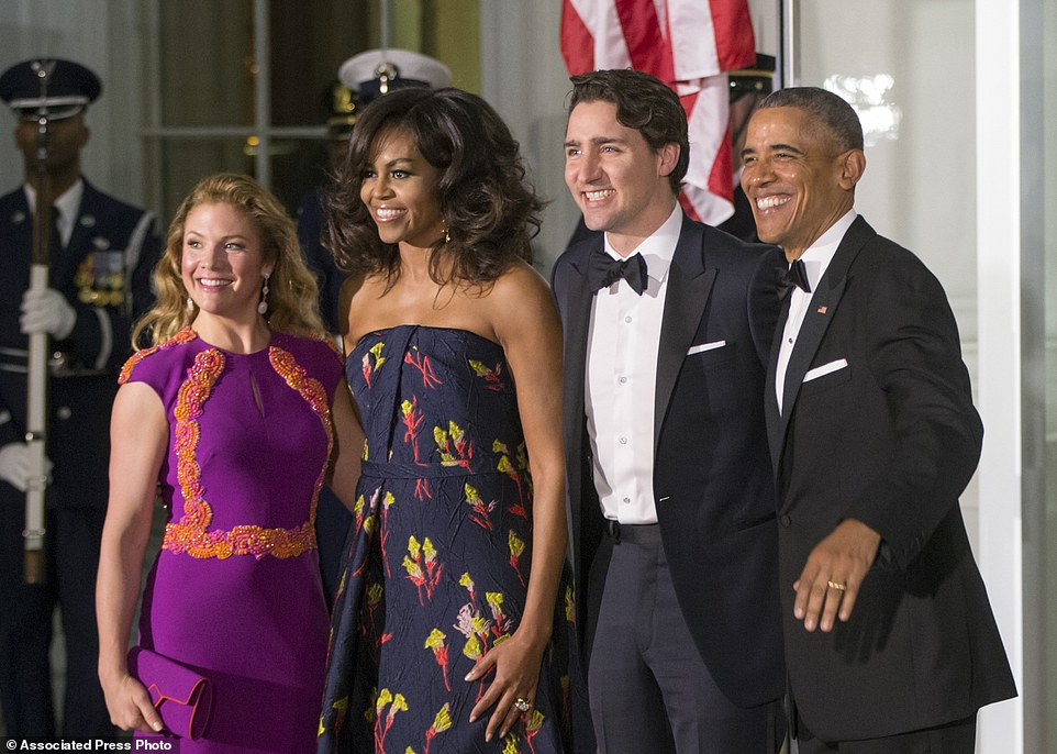 Sasha and Malia Obama Just Embarrassed America In A HUGE WAY!